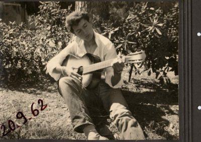 01 Ma première guitare Mèze 1962